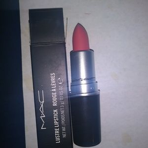 MAC Cosmetics Makeup - MAC LIPSTICK 06 ALL FIRED UP